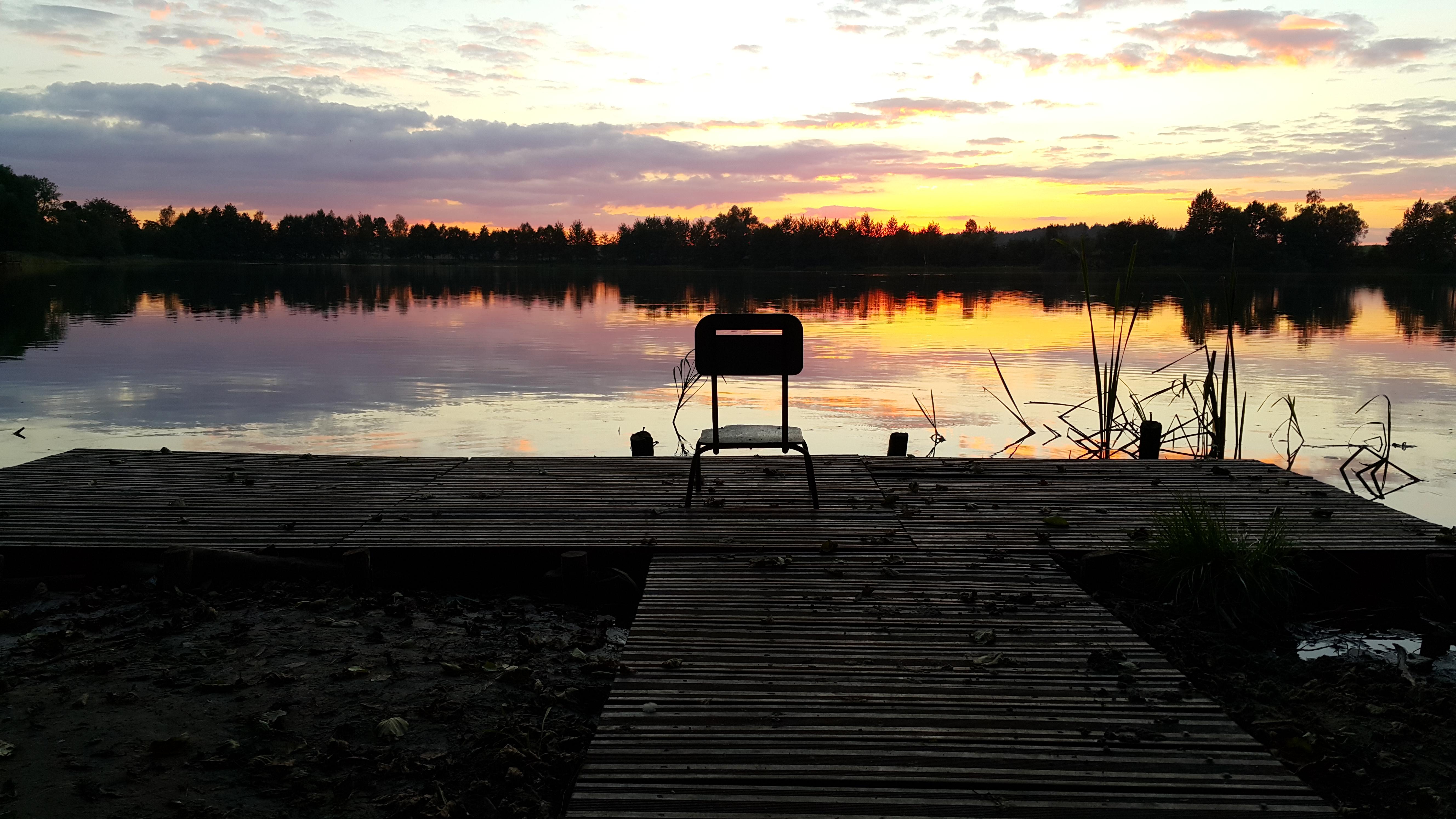 zmierzch nad jeziorem Przechlewskim